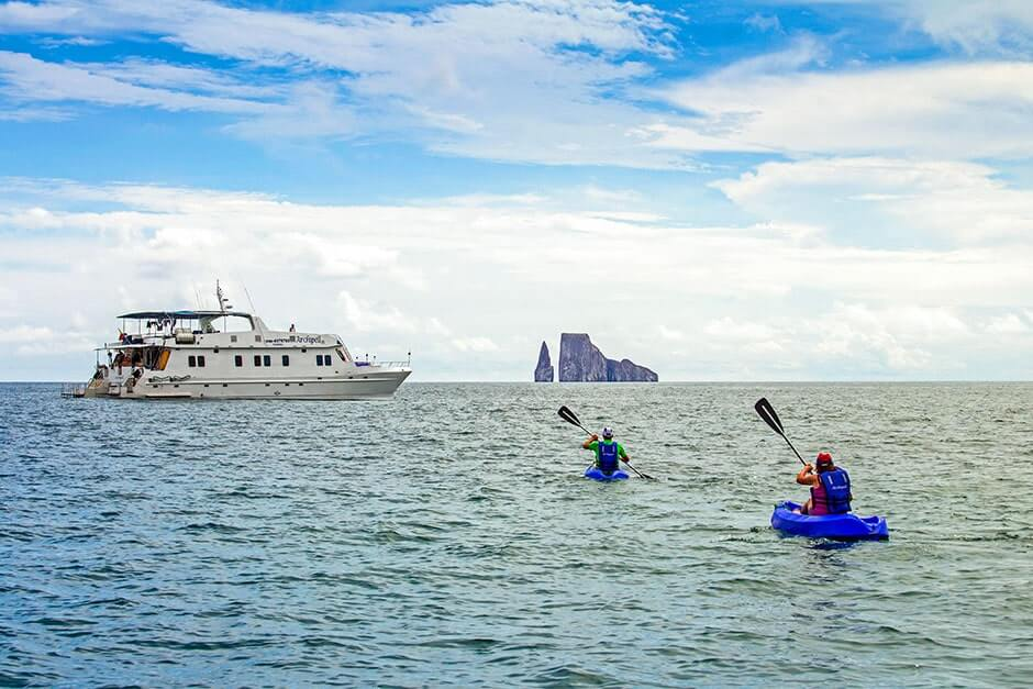Archipel-I-galapagos-first-class-cruises