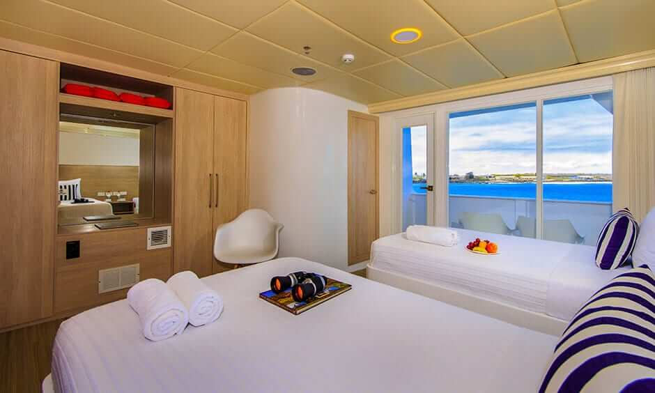 Treasures-of-galapagos-first-class-cruise