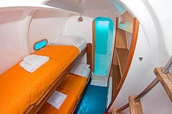 nemo-1-tourist-superior-galapagos-cruise
