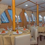 yolita-tourist-superior-galapagos-cruise