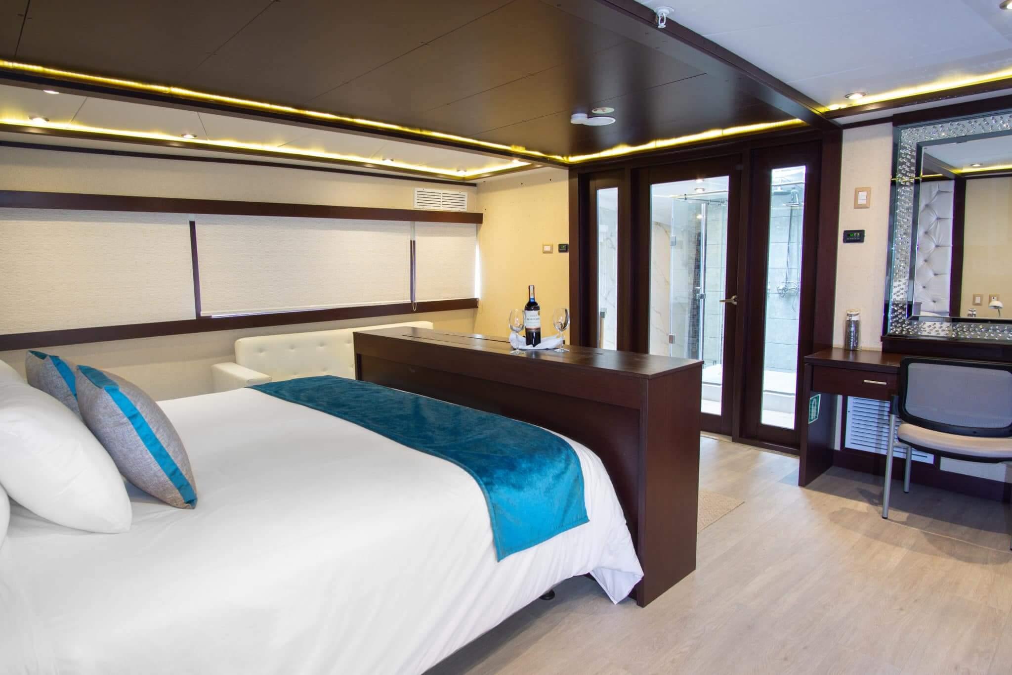 grand-majestic-galapagos-luxury-cruise