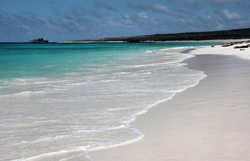 espanola-tour-galapagos-gardner-bay