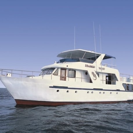 floreana-yacht-budget-galapagos-cruises
