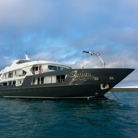 infinity-luxury-galapagos-cruise