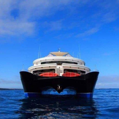 Petrel-luxury-galapagos-yacht